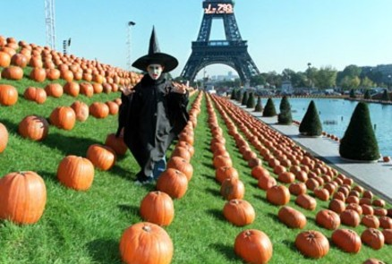 halloween-eiffel-witch-paris-france-jimlepariser-blog